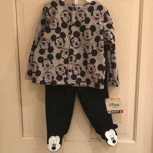 NWT Disney Baby 6-9m Mickey outfit